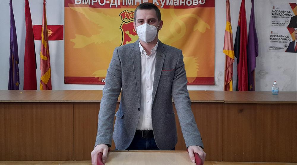 Царовска води кампања за самопромоција наместо за реформи во образованието, порача Давидовиќ