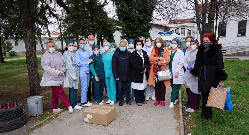 Мургашанска со честитка до здравствените работници: Тоа што вие го правите е херојско дело и подвиг