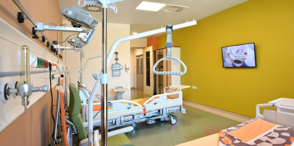 За пациентите со лесна клиничка слика, лекувањето во приватна болница чини во просек околу 6.000 евра