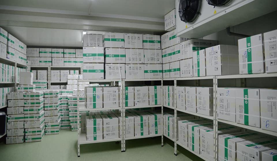 """Пристигнаа уште 100.000 вакцини """"Синофарм"""", приоритет за вакцинација ќе бидат повозрасните"""