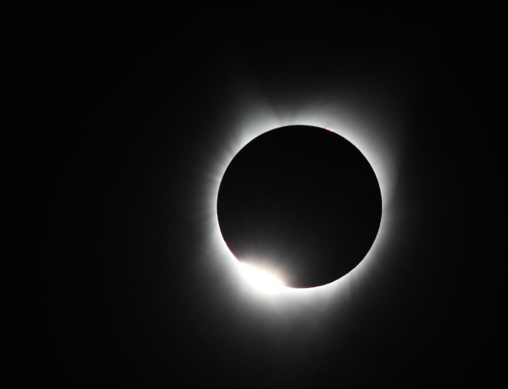 Помрачувањето на месечината посебно ќе влијае на овие 3 хороскопски знаци