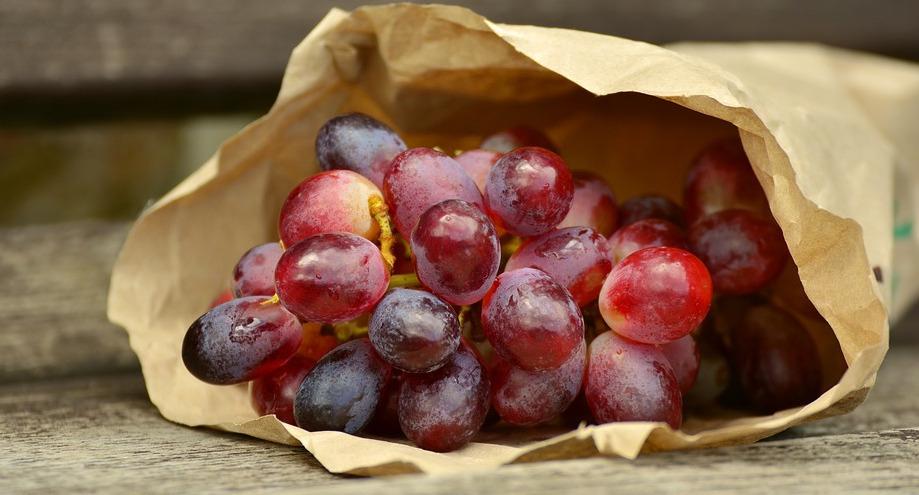 Грозјето го намалува крвниот притисок, го штити срцето и помага при варењето на храната