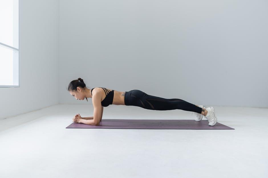 Осум пилатес вежби кои можете да ги практикувате дома