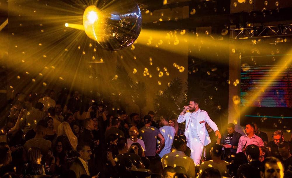 Тајзи со две нови песни и настап во најдобриот клуб во источна Европа
