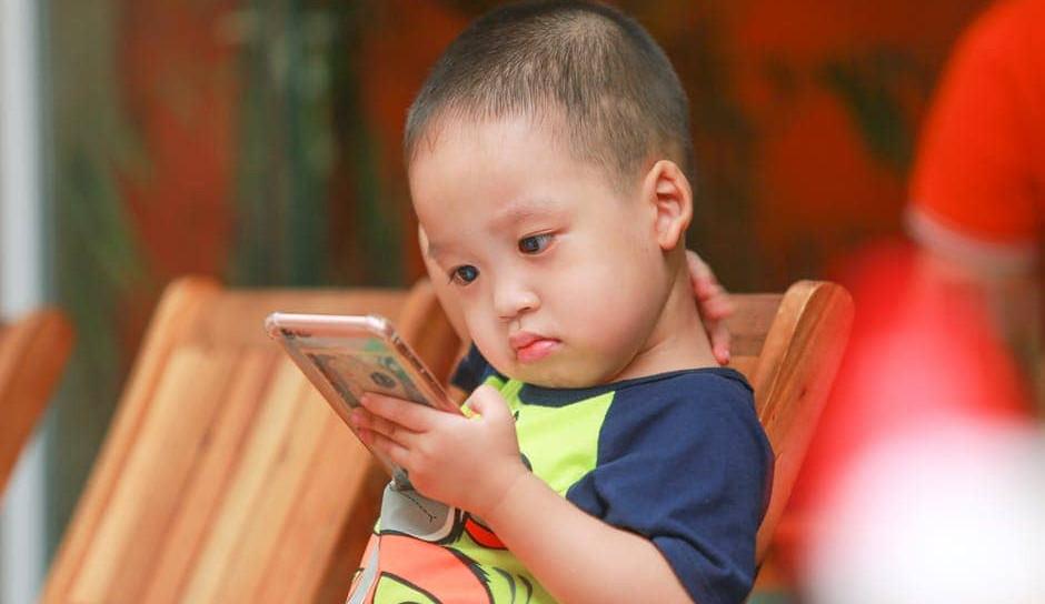Агресивните игри влијаат негативно врз детето, родители применете го правилото 3-6-9-12