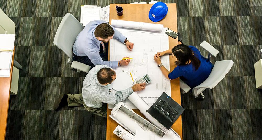 Топ пет квалитети кои ќе ве доведат до успех на вашето работно место