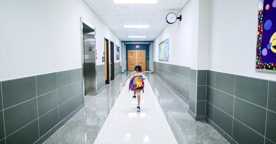 Како помина на училиштето-е прашање кое не треба да му го поставите на вашето дете